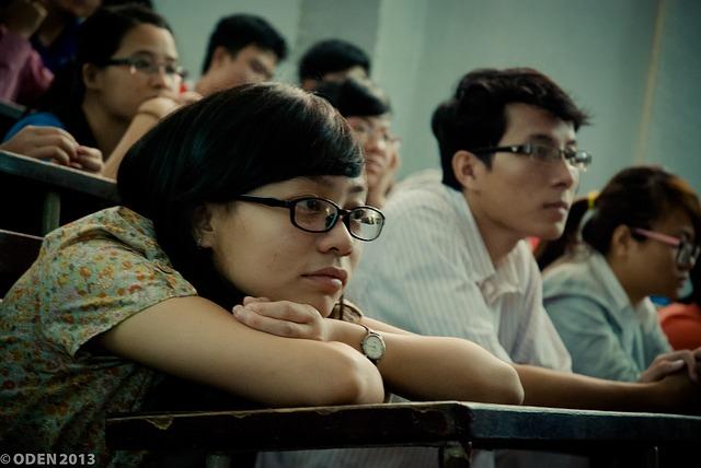 študenti na hodine.jpg