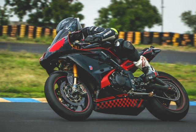 rýchla motorka